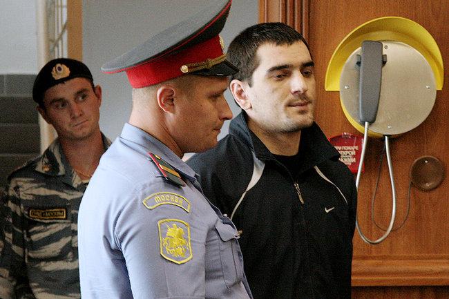 Осужденный заубийство поклонника «Спартака» пожаловался напытки вколонии