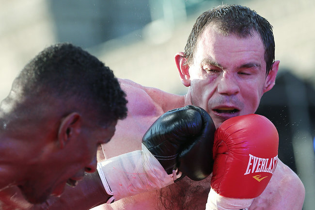 У русского боксера изъяли автомобиль Владимира Путина