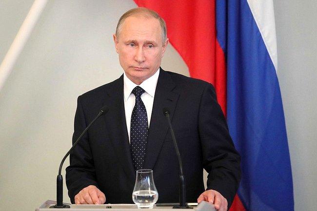 Путин подписал закон обужесточении ответственности засклонение ксуициду