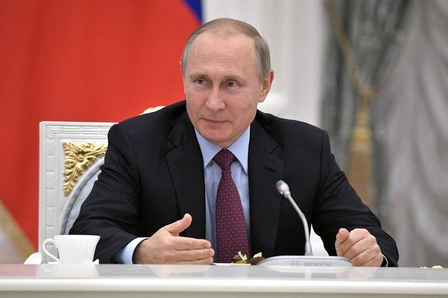 Президент России предложил создать коммерческие кладбища