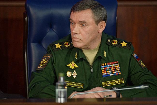 СМИ: за сирийскую операцию звание Героев России получили два зама Шойгу