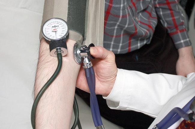 Главный врач больницы воВладикавказе осужден заподдельный диплом